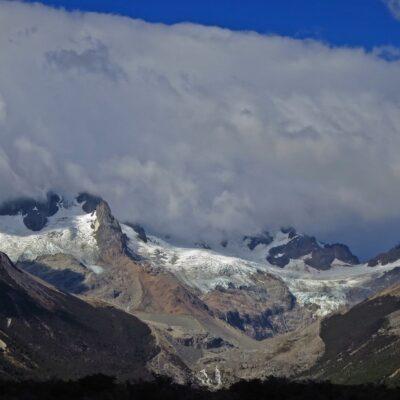 Monte San Lorenzo entre las nubes.