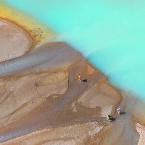 Lago Verde y desembocadura del río Ventisqueros - Parque Nacional Patagonia Chile.